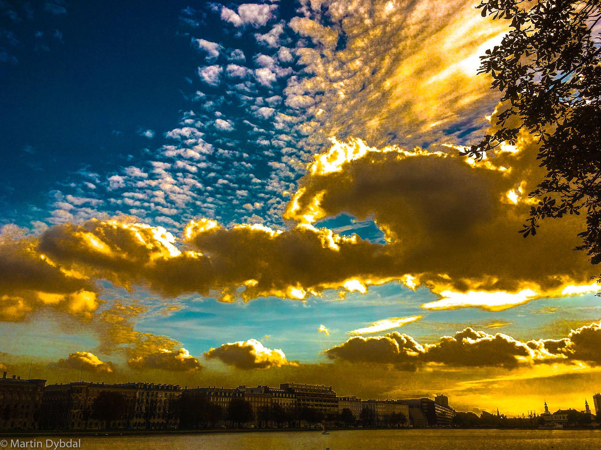 Crepuscolo sul lago, fotografie di Martin Dybdal
