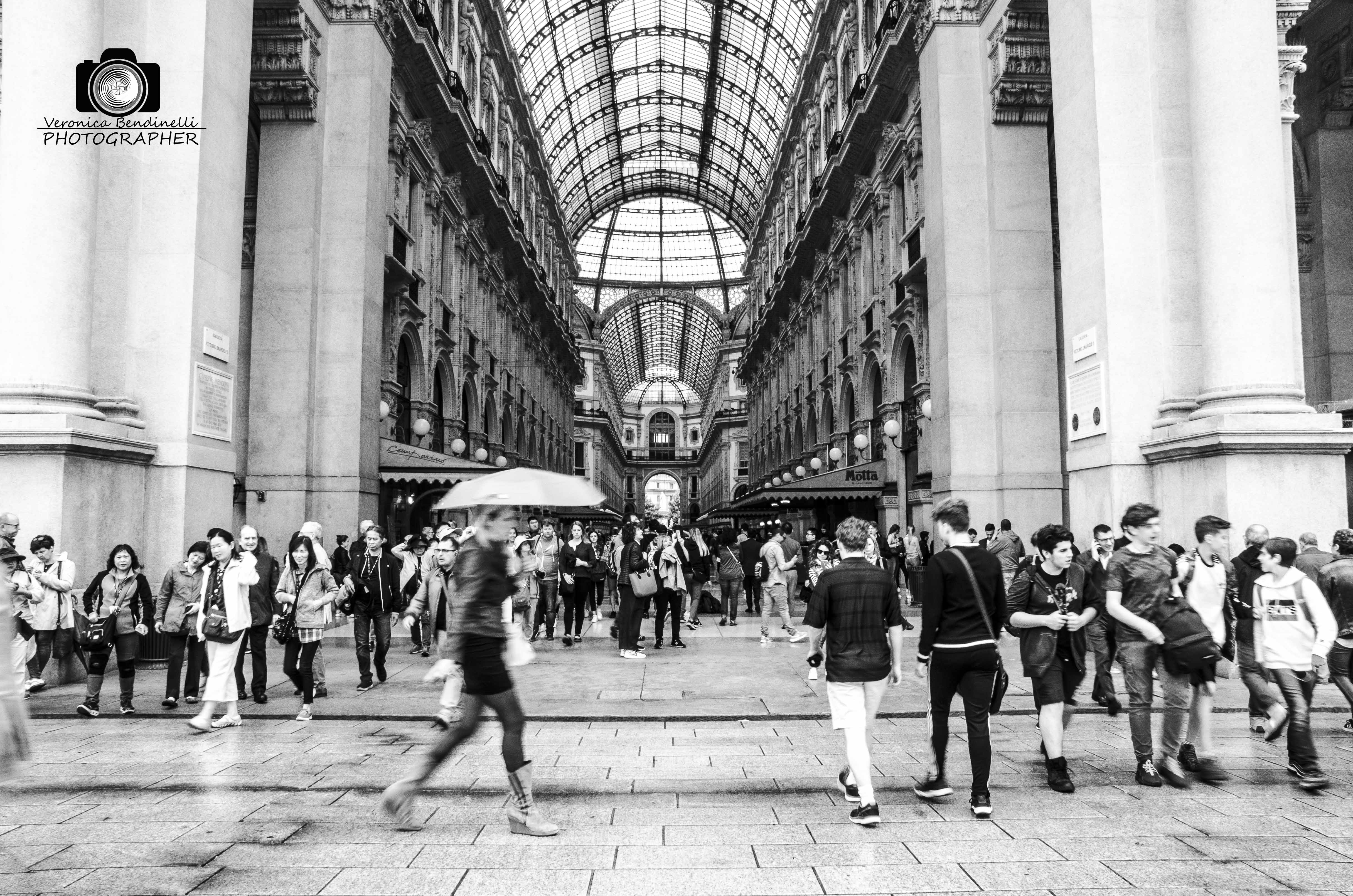 Street: la fretta, fotografia di Veronica Bendinelli